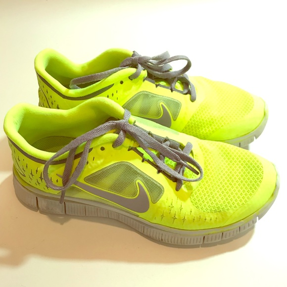 ff59a3990aa8 nike Shoes - Women s neon Nike free run size 7.5 shoes